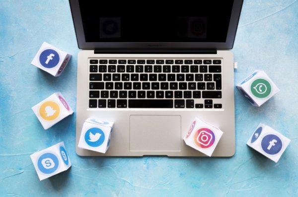 Sitio web y redes sociales